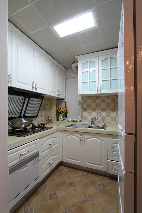 混搭厨房橱柜效果图