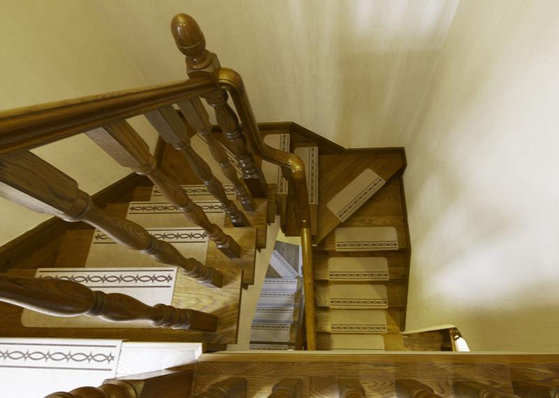 地中海玄关楼梯效果图