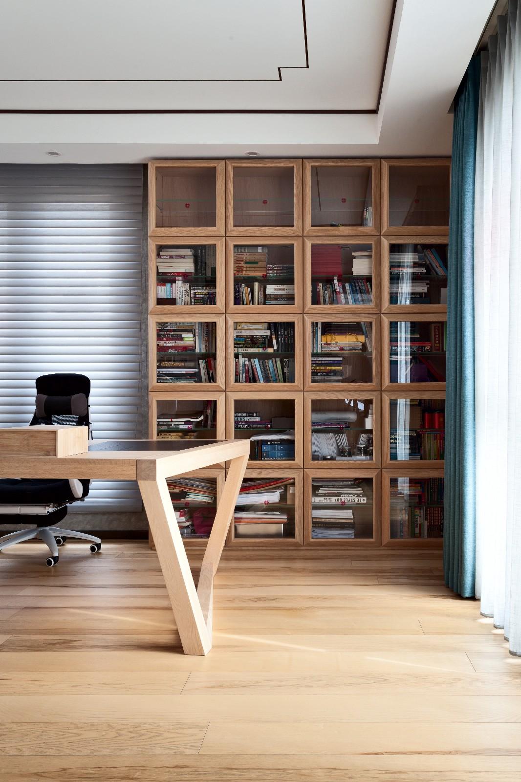 中式书房工作区实景图